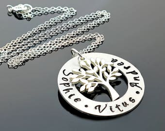 Family Tree Necklace - Family necklace - Tree of life necklace - Personalized Family Tree Necklace - Personalized gift for her - Custom