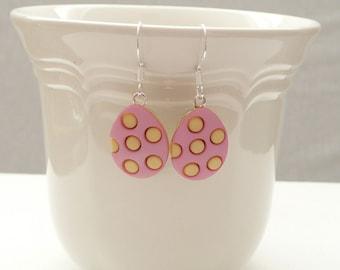HD-rosa und gelbe Osterei baumeln Ohrringe