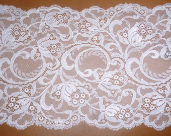 Lace non stretchy white