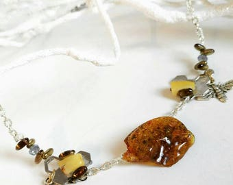 The honey and bee necklace