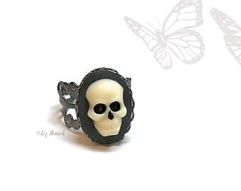 Skull Cameo Ring. Adjustable Filigree Ring, Novelty Ring, Halloween, Gothic, Gunmetal Gray