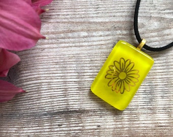 Sunflower necklace,yellow necklace,fused glass pendant,bright necklace,bold yellow jewelry,flower pendant,statement pendant,sunflower