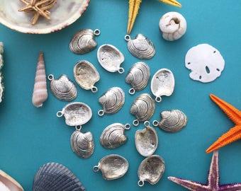 Antique Silver Clam Shell Charms, 15x22mm, 2pcs / Nunn Designs, Star Fish Pendants, Nautical, Beach Charms, Sea Shell, Jewelry Supplies