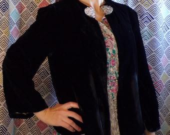 BLACK VELVET JACKET vintage S M is this silk?? (D7)