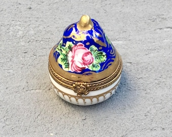 Limoges conical trinket box; Hand painted vintage porcelain pill box; traditional trinket box; pear shaped box; collectable box; ring box