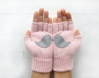 Inspirational Women Gift, Couple Gloves, Kissing Birds, Love Birds Gloves, Inspirational Gift, Pink Gloves, Gift For Her, Women's Gloves
