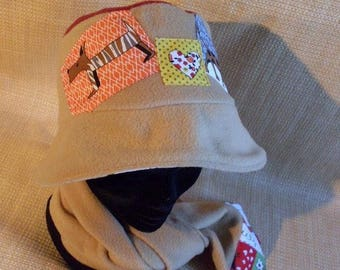 Hat girl in beige and Burgundy fleece T54