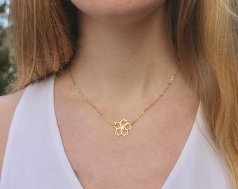 Flower Necklace // Gold Floral Pendant // 16K Gold // Petal Necklace // Layering Necklace // Boho Necklace // Girlfriend, Mom, Friend
