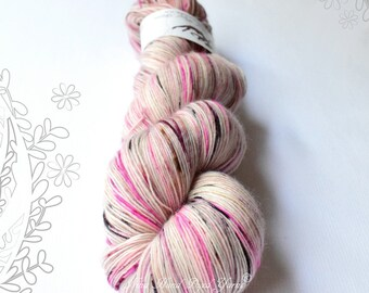 MERINO SOLO - Magnolia - hand dyed yarn, 100% extra fine merino, singles, lace weight