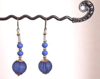 Lovely vintage blue and gold bead dangle earrings with a 5.5cm drop