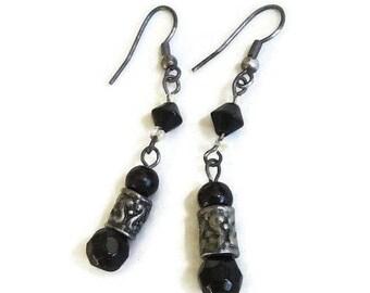 Black Crystals Dangle Earrings Vintage