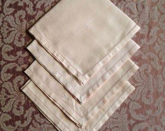 4 Linen Napkins