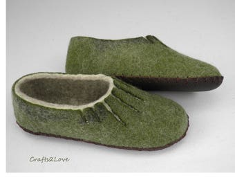 Wool felted women slippers spring forest Felt home slippers with leather soles House shoes slippers Warm bedroom slippers Mothers day gift