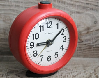 Vintage alarm clock Vintage table clock Soviet mechanical Clock Jantar collectible alarm clock / working mantel clock / antique alarm clock