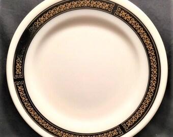"Pyrex Tableware Ebony 9"" plate"