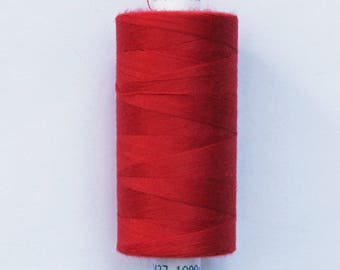 Moon 915 meters polyester sewing thread: Red - 2576