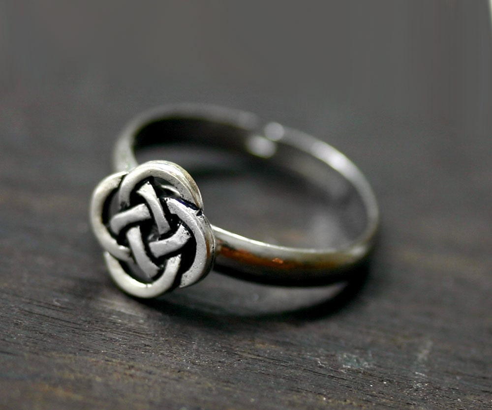 Celtic Ring Eternity Love Knot Infinity Ring