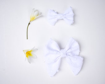 Classic Bow Style// Clip-Dot or Swiss-Dot fabric// White