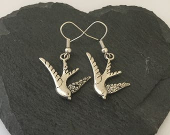 Swallow earrings / swallow jewellery / bird jewellery / animal earrings/ animal jewellery/ animal lover gift