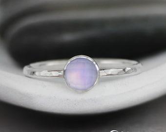 Lavender Quartz Gemstone Ring, Quartz Promise Ring, 925 Silver Ring, Simple Ring, Gemstone Stacking Ring, Bezel Set, Hammered Ring, 6 mm