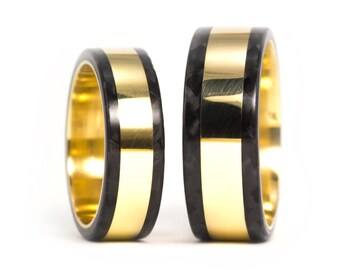 18ct gold ring and Carbon Fiber. Wedding band. Comfortable flat rings. Water resistant.(04702_6N8N)