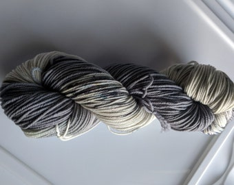 Yarn, DK Yarn, Hand Dyed Yarn, Gray Yarn, Speckled Yarn, Superwash Merino Wool -  Meteor Dust