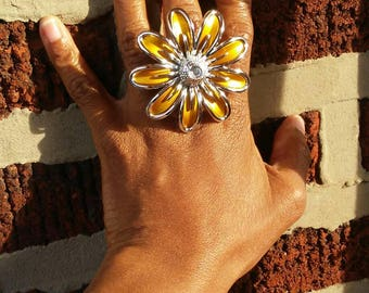 Fabulous Plastic Flower Ring  Embellished with Clear  Rhinestone, and Silver Color Trim, Fashionable Adjustable Ring, Womens Jewelry
