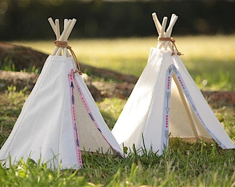 Tiny toy teepee tent: room decoration or for play with small toys, dolls or teddies – featuring arrows in either pink or grey