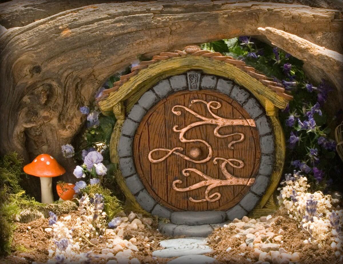 ?zoom & Brown Hobbit/ Fairy Door