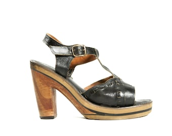 RESERVED for Yessica /// Vintage Platform Sandals T Strap Black Leather Open Toe Sandals Made in Italy for Women's size 8