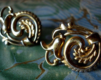 Vintage Ornate Gold Vermeil Gold Wash Sterling Art Nouveau Screw Back Earrings