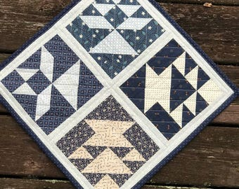 Quilted Table Topper - Quilted Wall Hanging - Mini Quilt - Quilted Candle Mat - Primitive Decor - Farmhouse Decor - Table Mat - Table Topper