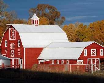 Red Barn & Fall Colors