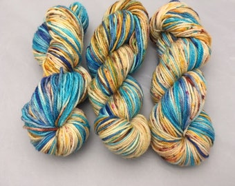 Worsted Weight, 100 grams, yarn, Superwash Merino, Face Down in the Sand, Speckled, Variegated, semi solid, Blue, Brown
