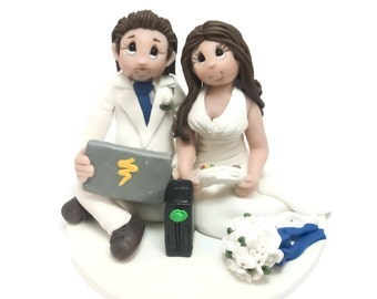 Custom cake topper, Gamer's wedding cake topper, Bride and Groom cake topper, Mr and Mrs cake topper, personalized cake topper