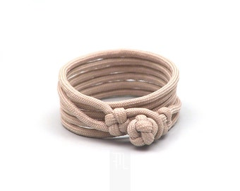 Men's wrap bracelet in beige paracord handmade in Italy, use it as minimal necklace too.