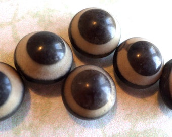 6 VINTAGE CARVED WOOD Brown Buttons Shank Buttons from Muscatine Iowa
