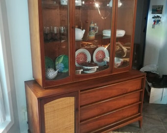 Nice Mid Century Modern Danish Design China Cabinet W/ Hutch By Lane Furniture