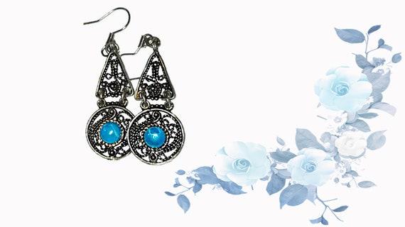 Filigree  metal lace earrings for woman