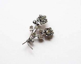 Vintage Brooch, Flower Brooch, Floral Brooch, Clear Rhinestone Daisy Flower Brooch from the 1950's