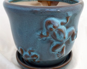 """Frog Nature Pot with Attached Saucer plus Felt Feet - 5 1/2"""" x 4 3/4"""" - Turquoise Glaze"""