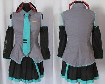 Hatsune Miku Vocaloid Cosplay Costume Women's Size 4 6 8 10 12 14
