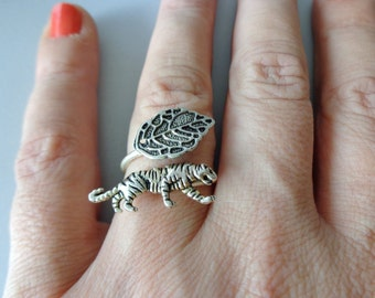 silver tiger ring, wrap style, adjustable ring, animal ring, silver ring, statement ring