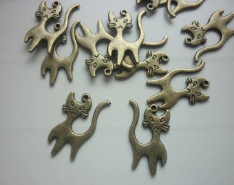 Set of 5 cat shaped charms in bronze
