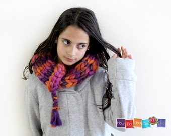 Christmas Gift For Her , Infinity Scarf , Knit Cowl Scarf , Chunky Yarn Knit , Knitted Neck Wrap , Chunky Knit Cowl ,Orange Pink Bagel Scarf