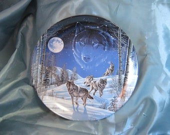 "Wolves ""Moonlight Guardians"" Sentinels of the Sky Plate No. 12583 B"