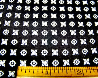 """Vintage 1950's Cotton 35"""" Wide TINY GEOMETRIC Black White 35"""" x 36"""" Quilting Restoration Doll Clothes Inv1*"""