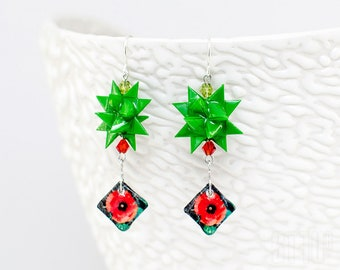 Earrings green origami - paper and resin origami green star with poppies element. Green earrings origami style. Poppies earrings.