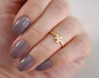 tiny bee midi ring . bumble bee ring . honey bee ring . tiny bee ring . honeybee ring . silver bee ring . knuckle ring