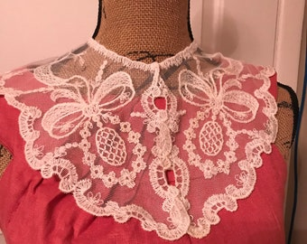 Vintage Lace Collar Made in USA